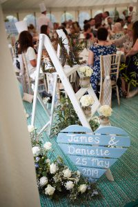 howell manor, lincolnshire wedding venue, pallet decor, wedding decor